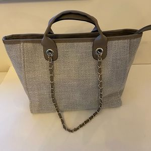 DVILLE style tote